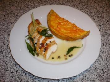 Rezept: Gebratene Hähnchenbrust mit weißer Pfeffersoße und Karottenquiche