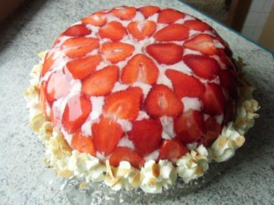 ❤ Erdbeer - Joghurt - Kuppeltorte ❤ - Rezept