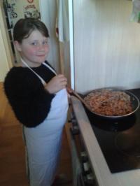 Rezept: Von Kids für Kids: Nudeln mit Hackfleisch-Tomatensoße
