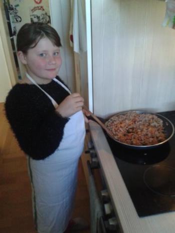 Von Kids für Kids: Nudeln mit Hackfleisch-Tomatensoße - Rezept