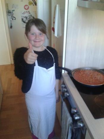 Von Kids für Kids: Nudeln mit Hackfleisch-Tomatensoße - Rezept - Bild Nr. 4