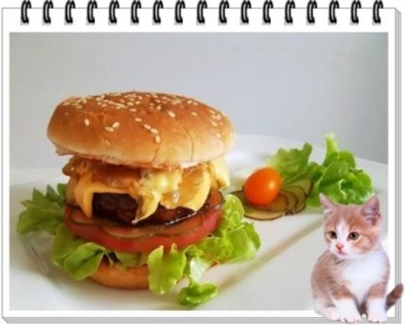 Hamburger mit Kraussalat und selbst hergestellter Mayonnaise. - Rezept