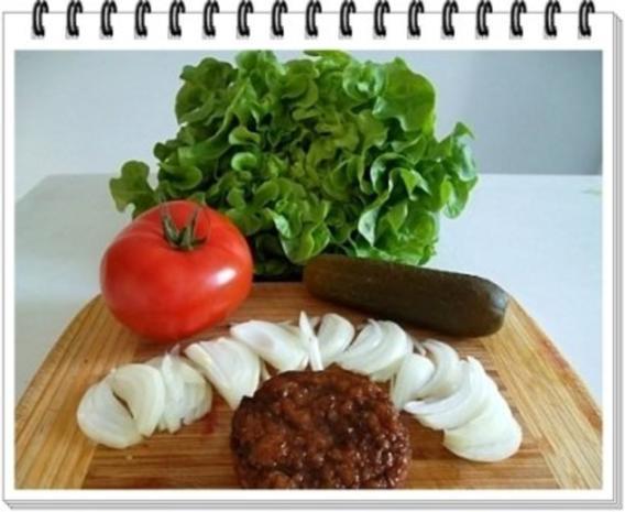 Hamburger mit Kraussalat und selbst hergestellter Mayonnaise. - Rezept - Bild Nr. 4