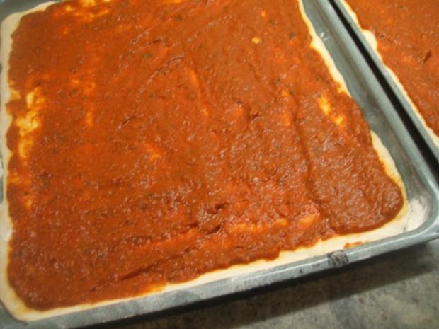 Pikantes Backen: Pizzateig, der 397ste von  Umberto Napolitano, dem Pizza-Akrobaten - Rezept - Bild Nr. 7