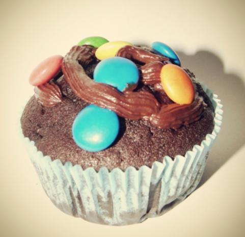 Schokoladen Cupcakes mit Schoko-Sahne-Frosting - Rezept - Bild Nr. 2