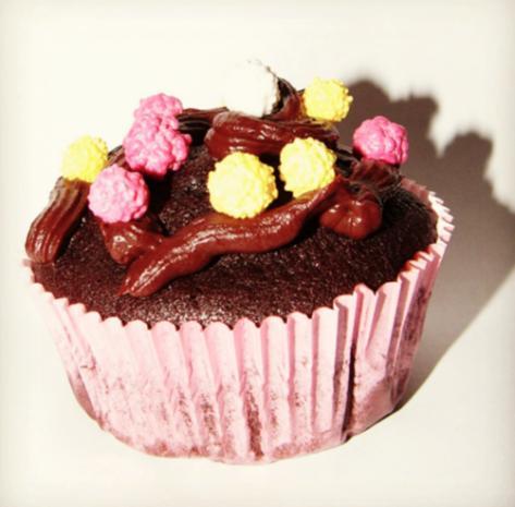 Schokoladen Cupcakes mit Schoko-Sahne-Frosting - Rezept - Bild Nr. 3
