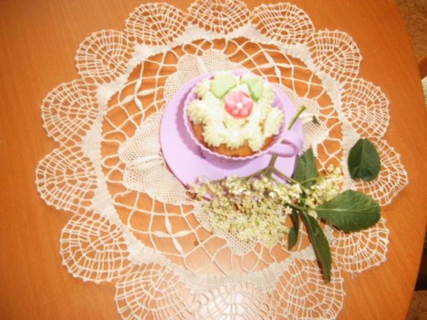 Holunderblütenssirup -Cup-Cakes - Rezept - Bild Nr. 2
