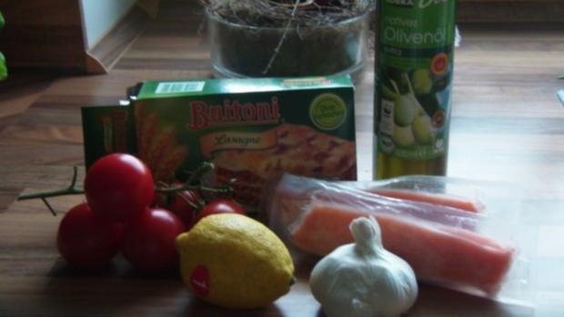 Lachsfilet auf Nudeln mit Tomaten und Pesto - Rezept - Bild Nr. 2
