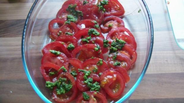 Lachsfilet auf Nudeln mit Tomaten und Pesto - Rezept - Bild Nr. 6