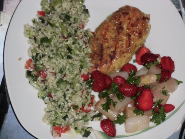 Huhn : Hähnchenbrustfilet  (Heiß) mit Bulgursalat und Spargel mit Erdbeeren (Kalt) - Rezept - Bild Nr. 3