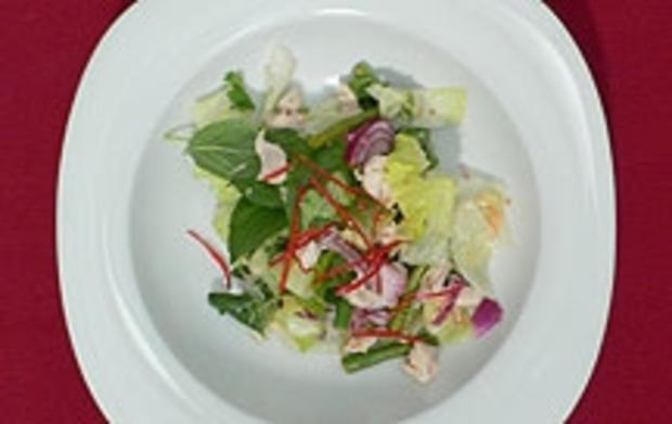 Hühnerfleischsalat mit Thaikräutern und Dekonstruierte Gazpacho - Rezept