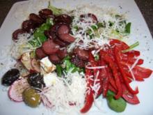 Griechischer Salat mit krossen Cabanossi - Rezept