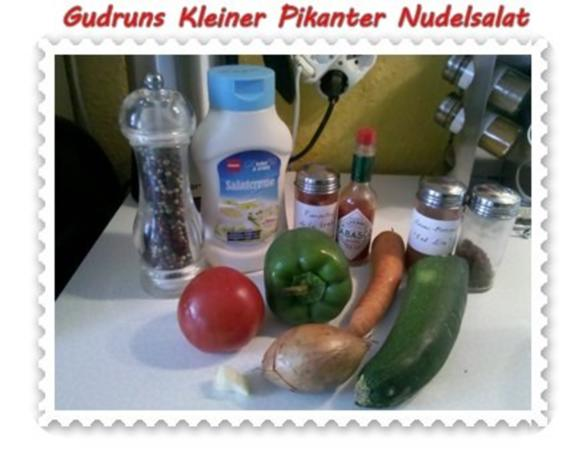 Salat: Kleiner pikanter Nudelsalat - Rezept - Bild Nr. 3