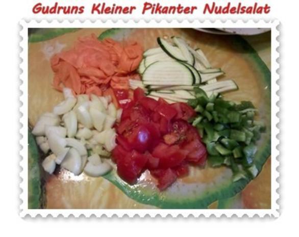 Salat: Kleiner pikanter Nudelsalat - Rezept - Bild Nr. 4