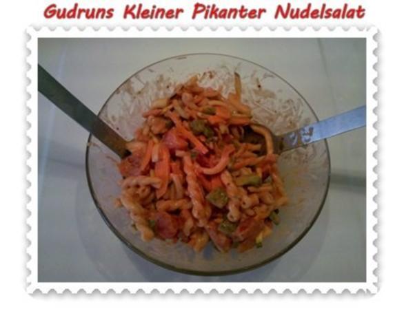 Salat: Kleiner pikanter Nudelsalat - Rezept - Bild Nr. 8