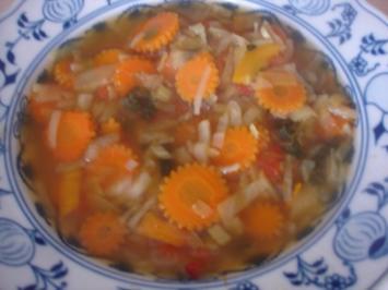 Gemüsesuppe zum Abnehmen - Rezept