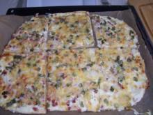 Flammkuchen mit Käse überbacken - Rezept