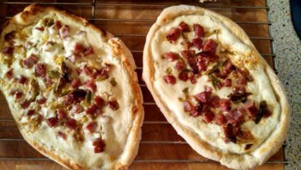 Flammkuchen aus Pizzateig - Rezept
