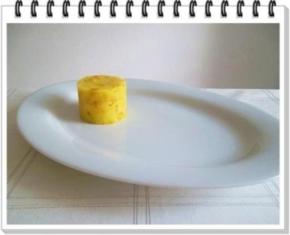 Würzige Stampfkartoffeln mit  Bulette und Gemüse dazu. - Rezept - Bild Nr. 11
