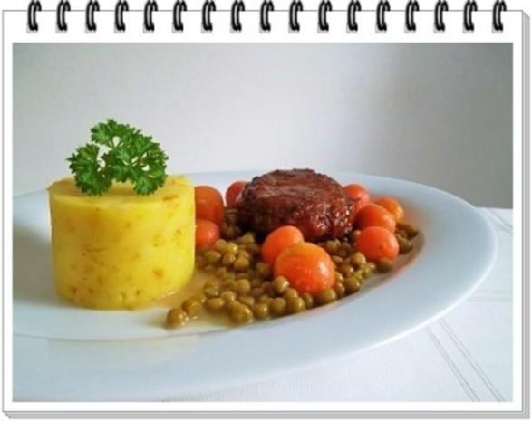 Würzige Stampfkartoffeln mit  Bulette und Gemüse dazu. - Rezept - Bild Nr. 14