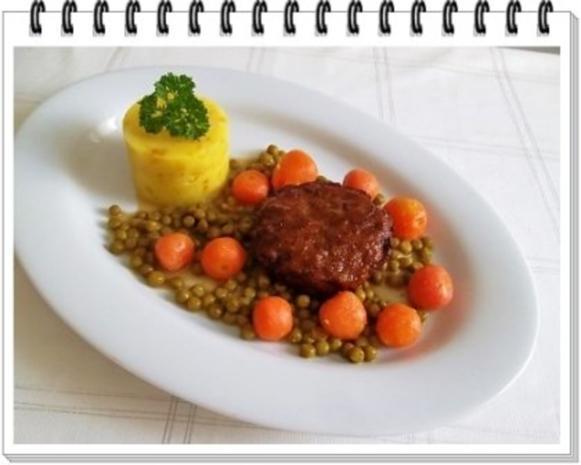 Würzige Stampfkartoffeln mit  Bulette und Gemüse dazu. - Rezept - Bild Nr. 15
