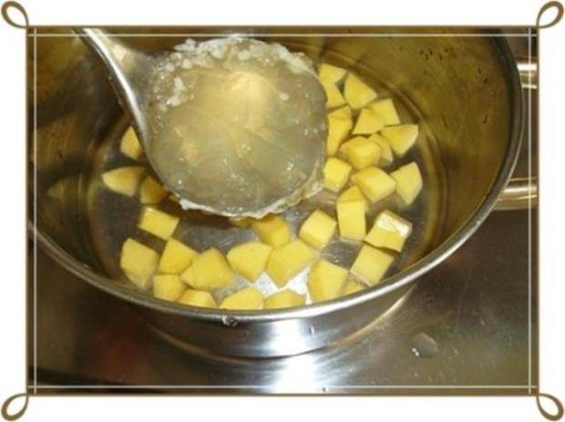 Lauch-Kartoffelcremesuppe  mit gewürfelter Wurst dazu. - Rezept - Bild Nr. 9