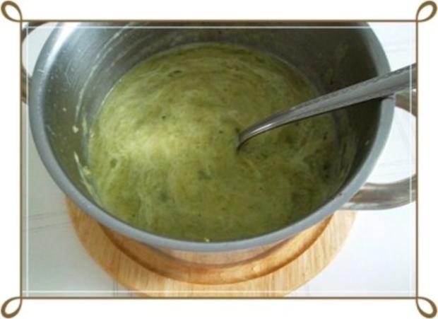 Lauch-Kartoffelcremesuppe  mit gewürfelter Wurst dazu. - Rezept - Bild Nr. 14
