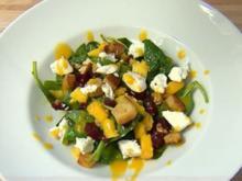 Spinatsalat mit Ziegenkäse, Walnüssen, Krokant und Mangodressing (Natascha Ochsenknecht) - Rezept