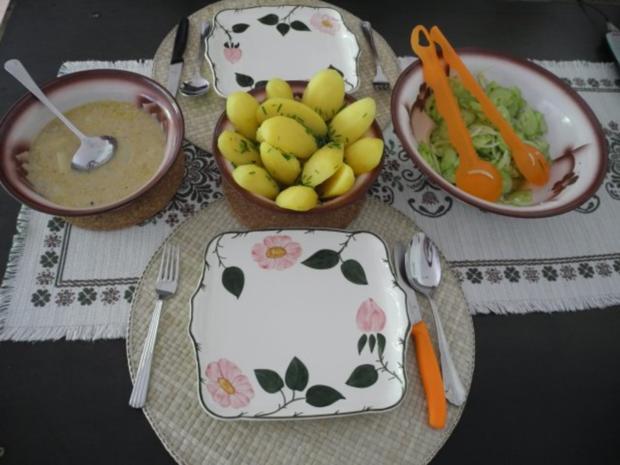 Spargel in Reis-Schlagcreme mit Schnittlauchkartoffeln und Gurkensalat - Rezept - Bild Nr. 2
