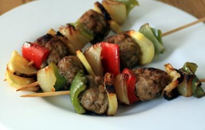 Gemüse-Spieße mit Hackbällchen - Rezept