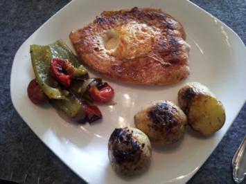 PutensteakEi mit Grillkartoffeln und Grillgemüse - Rezept