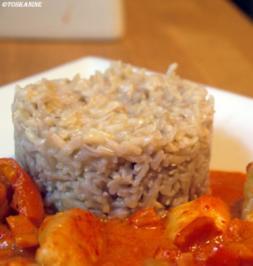 Hähnchen in geröstetem Paprikarahm mit Vollkorn-Basmati-Reis - Rezept