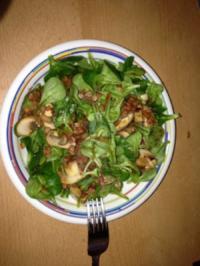 Feldsalat mit Champignons,Speck und Zwiebeln - Rezept