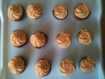 Schokoladen Cupcakes mit Orangenfrosting - Rezept