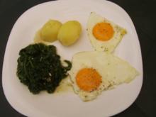 Blattspinat Spiegelei Salzkartoffeln - Rezept