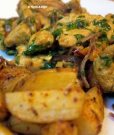 Hähnchen-Curry-Geschnetzeltes mit Knobi-Kartoffeln - Rezept