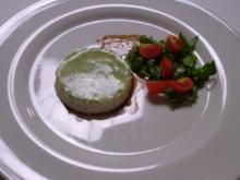 Törtchen v. d. Räucherforelle mit Dillgelee und Rucola- Tomatensalat - Rezept