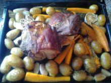 Schweinebraten von der Schulter mit Ofengemüse - Rezept