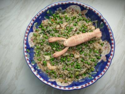 Krabbensalat mit Reis und Erbsen - Rezept