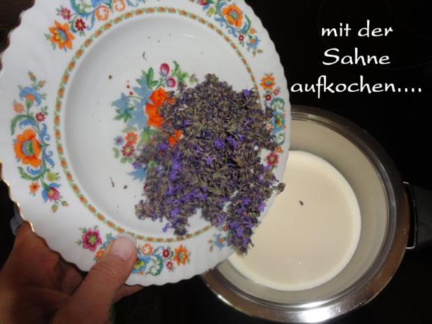 Lavendel Eis mit flambierten Lavendel Marillen - Rezept - Bild Nr. 4
