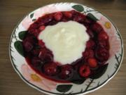 Süße Mahlzeiten  : Kalte Fruchtsuppe mit Vanillesoße - Rezept