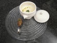 Curry-Zitronengrassuppe mit Kokosschaum und Tunfischtartar - Rezept