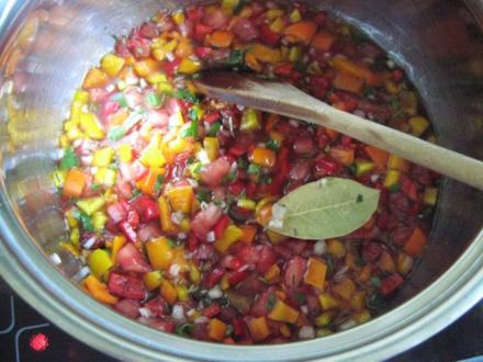 buntes Paprika-Tomaten-Chili-Chutney - Rezept