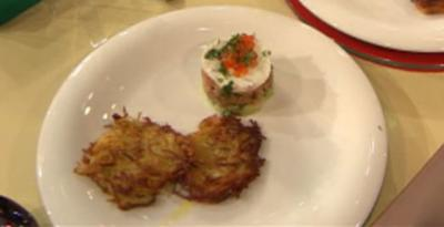 Lachs-Tatar mit Reibekuchen (Joelina Drews) - Rezept