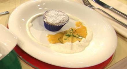 Schokotörtchen mit flüssigem Kern und Mangocreme a la Henze (Christian Henze) - Rezept