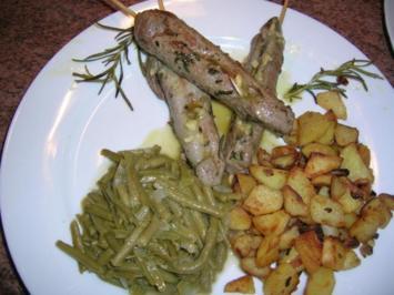 Lammfiletspiesse mit grünem Bohnengemüse und Bratkartoffeln - Rezept