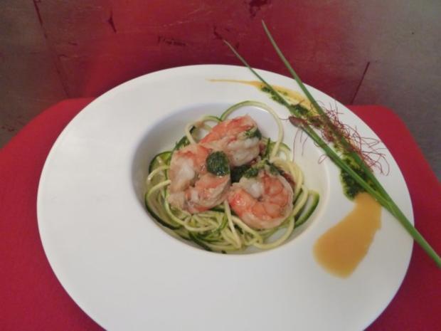 zucchini spaghetti mit garnelen rezept mit video. Black Bedroom Furniture Sets. Home Design Ideas