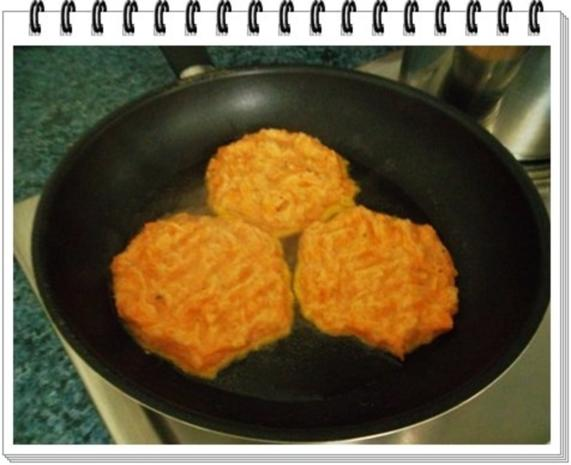 Kohlrabi-Möhre Puffer mit Baby Möhren und Kartoffelbällchen dazu - Rezept - Bild Nr. 13