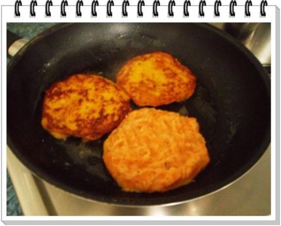 Kohlrabi-Möhre Puffer mit Baby Möhren und Kartoffelbällchen dazu - Rezept - Bild Nr. 14