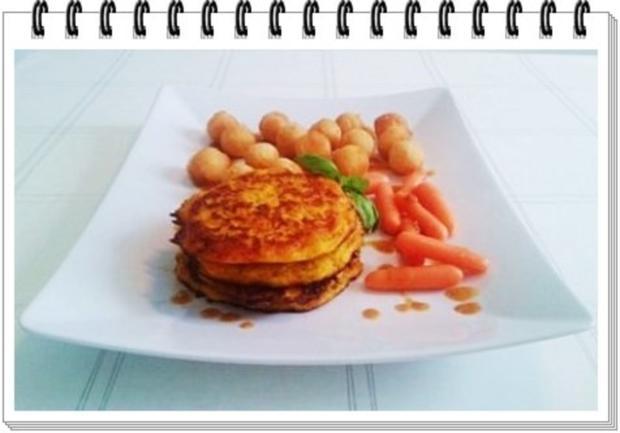 Kohlrabi-Möhre Puffer mit Baby Möhren und Kartoffelbällchen dazu - Rezept - Bild Nr. 2